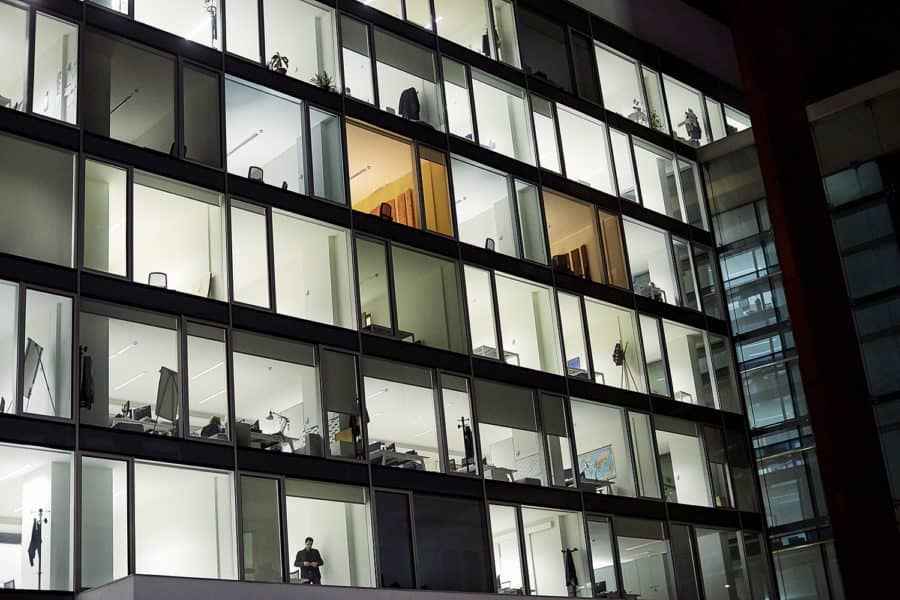 Fotografo aziendale milano architettura di interni e urbana reportage spazi e ambienti direzionali