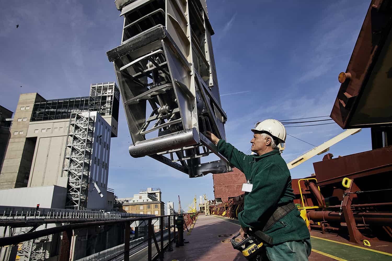 Reportage navale aziendale da fotografo industriale comunicazione agenzia marketing porto